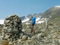 Steinhaufen auf dem Weg zur Snøhetta