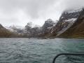 Berge entlang des Reinefjords