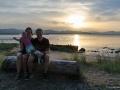 Familienfoto bei Sonnenuntergang