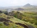 Isländisches Hochland bei Nebel und Regen