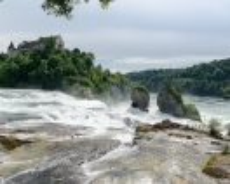 Rheinfall mit Schloss Laufen