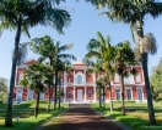 Palast im Jardim José do Canto