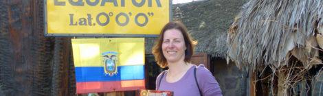 Nicole am Äquator in Ecuador