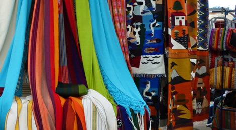 Ein Fest der Farben: Indiomarkt in Otavalo