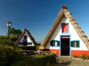 Historische Holzhäuser in Santana, Madeira