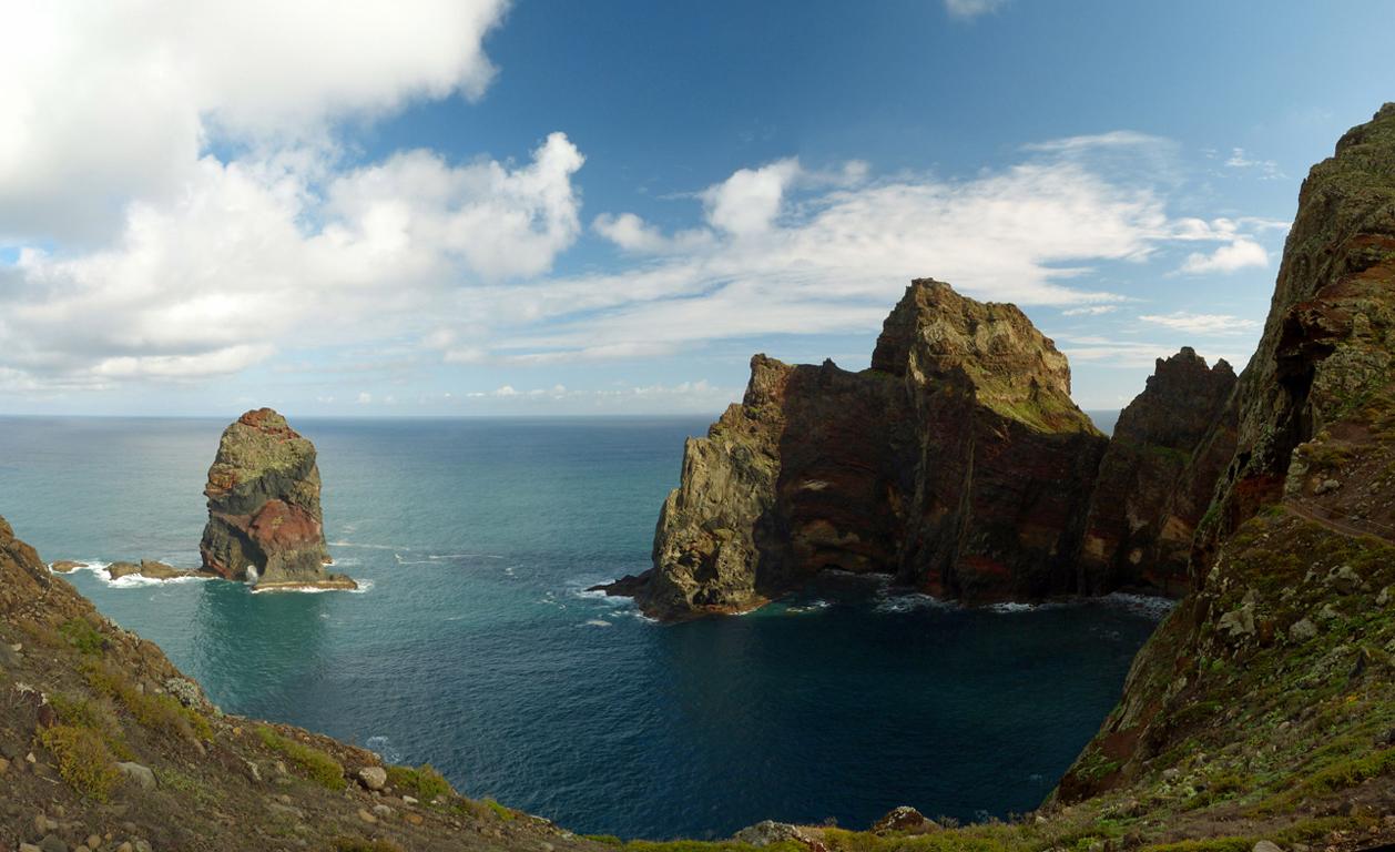 Steilküste der Ponta de São Lourenço auf Madeira