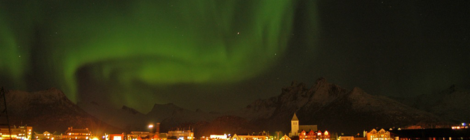 Nordlichter über Svolvær, Lofoten