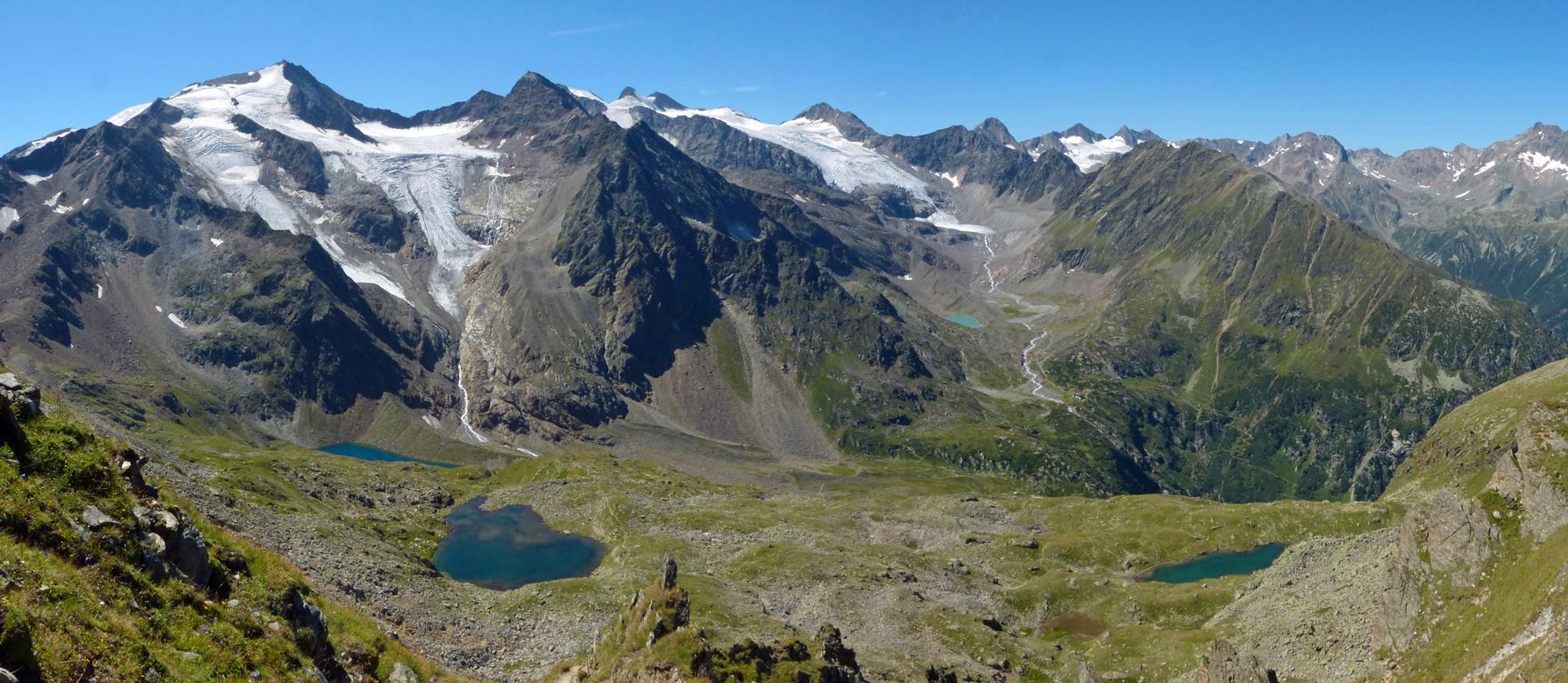 Bergpanorama auf dem Stubaier Höhenweg