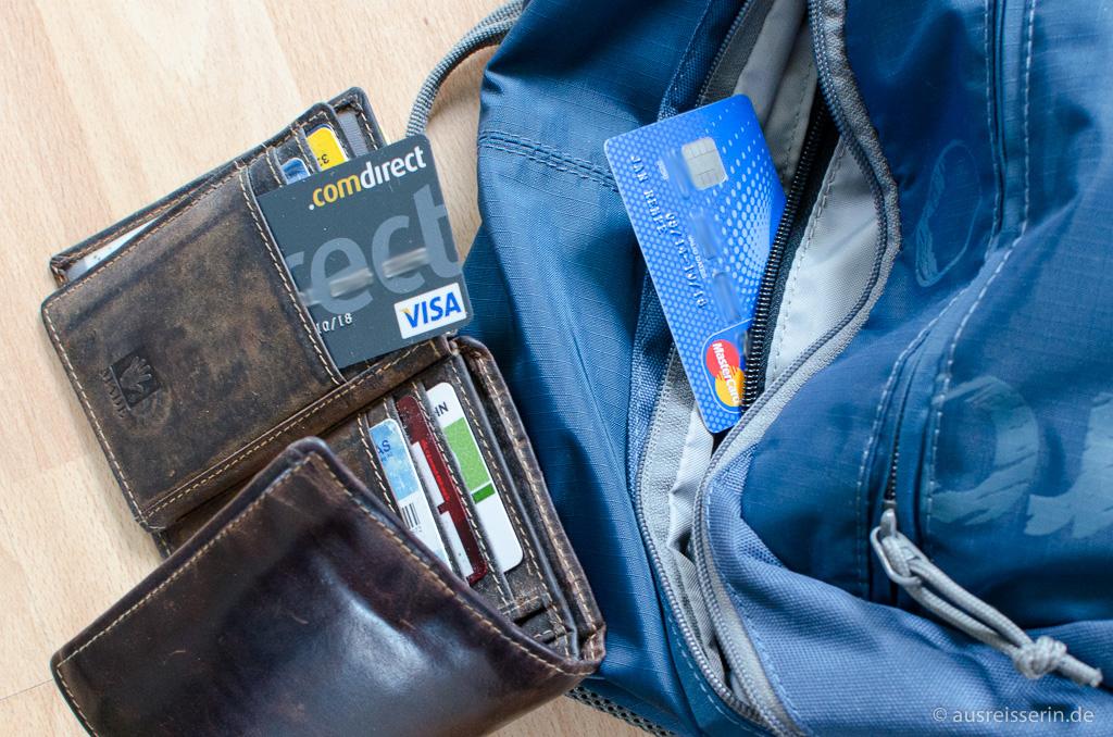 2 Kreditkarten getrennt voneinander aufbewahren