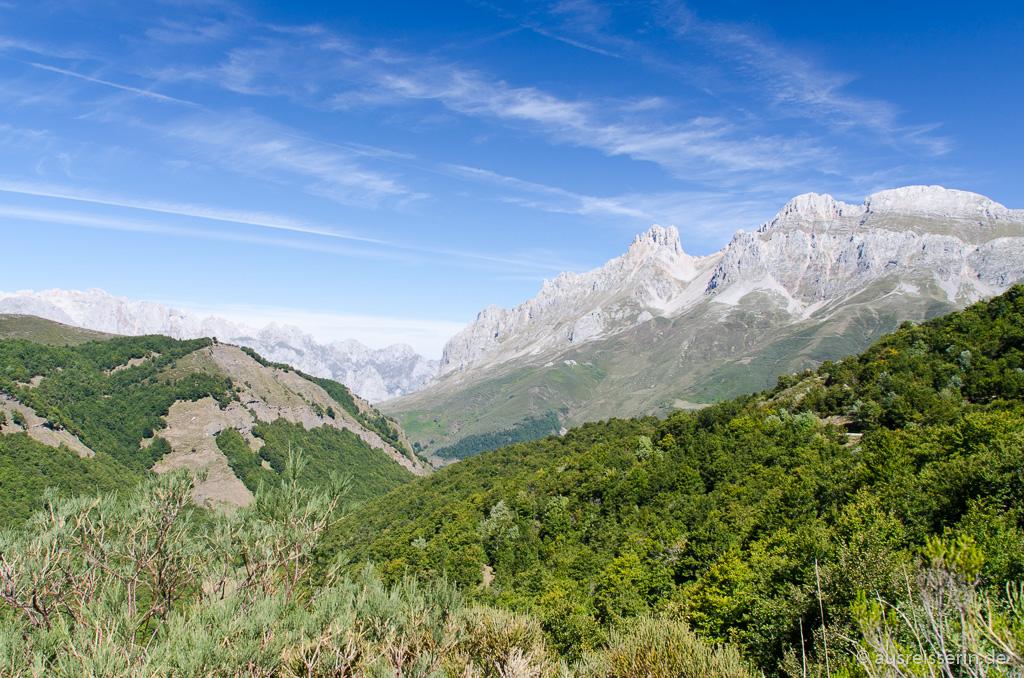 Blick auf die Picos de Europa