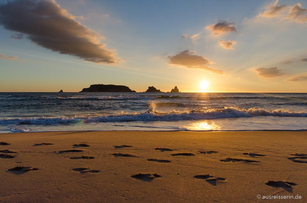 Sonnenaufgang hinter den Medas Inseln