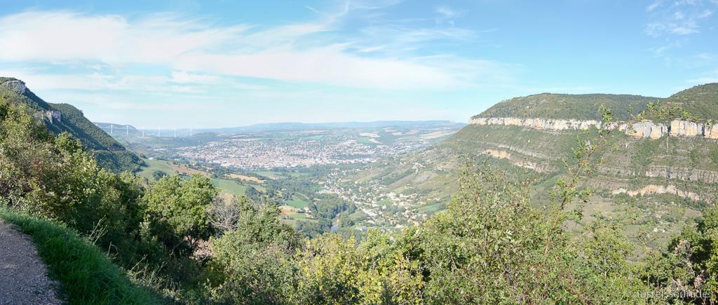 Ausblick auf Millau und den Causse Noir