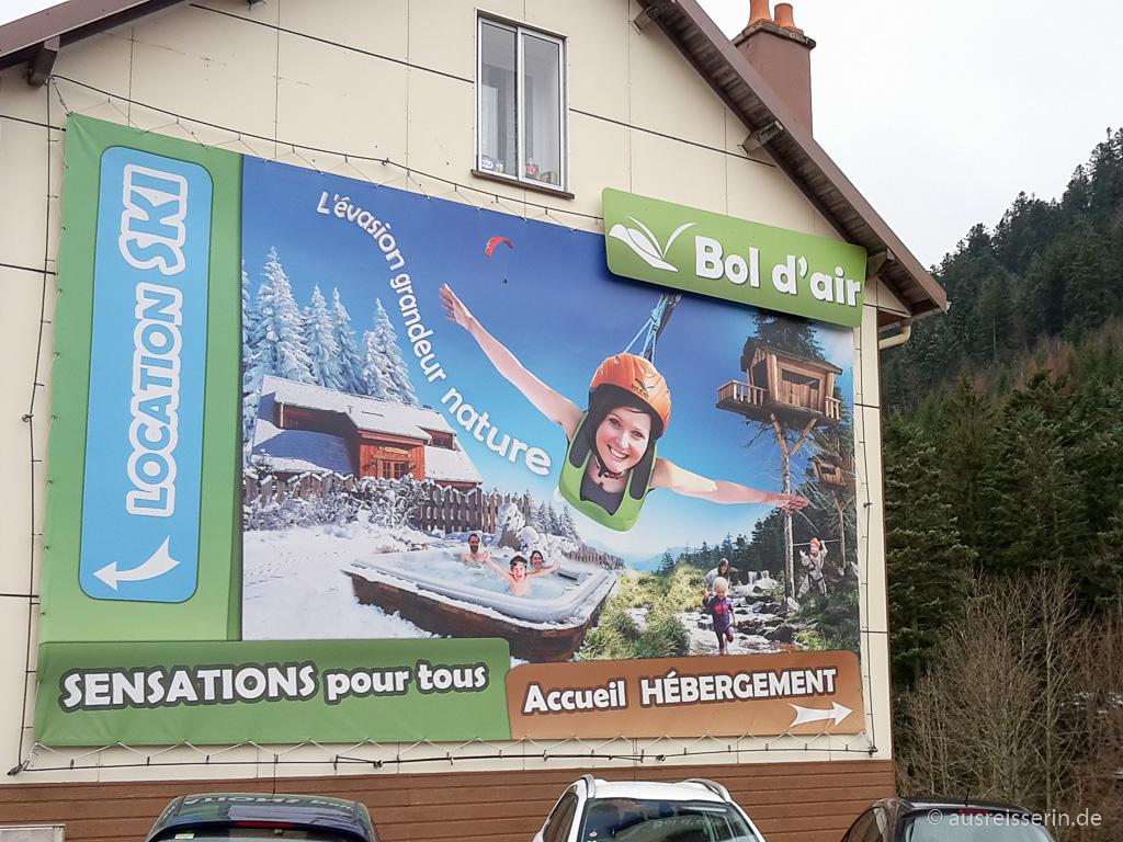 Werbeplakat des Abenteuerparks Bol d'air