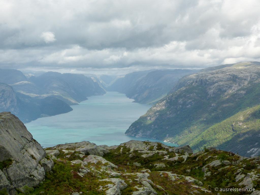 Regenfront über Lysebotn am Lysefjord