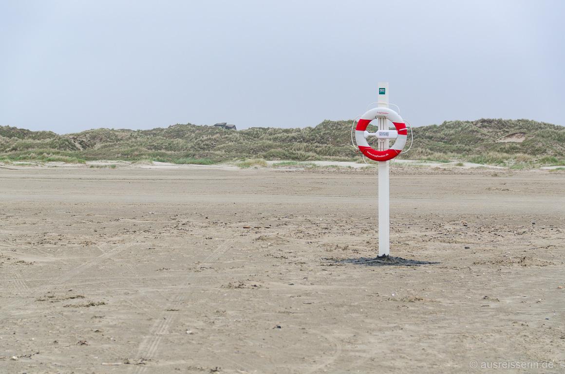 Rettungsring am Strand von Fanø