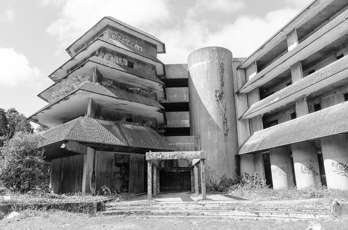 Rückansicht des Monte Palace in schwarzweiß