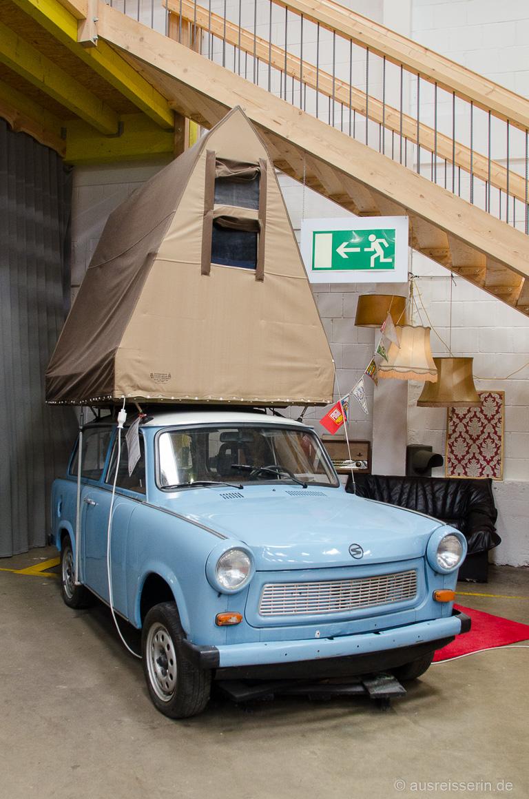 Trabbi mit Dachzelt im BaseCamp Bonn