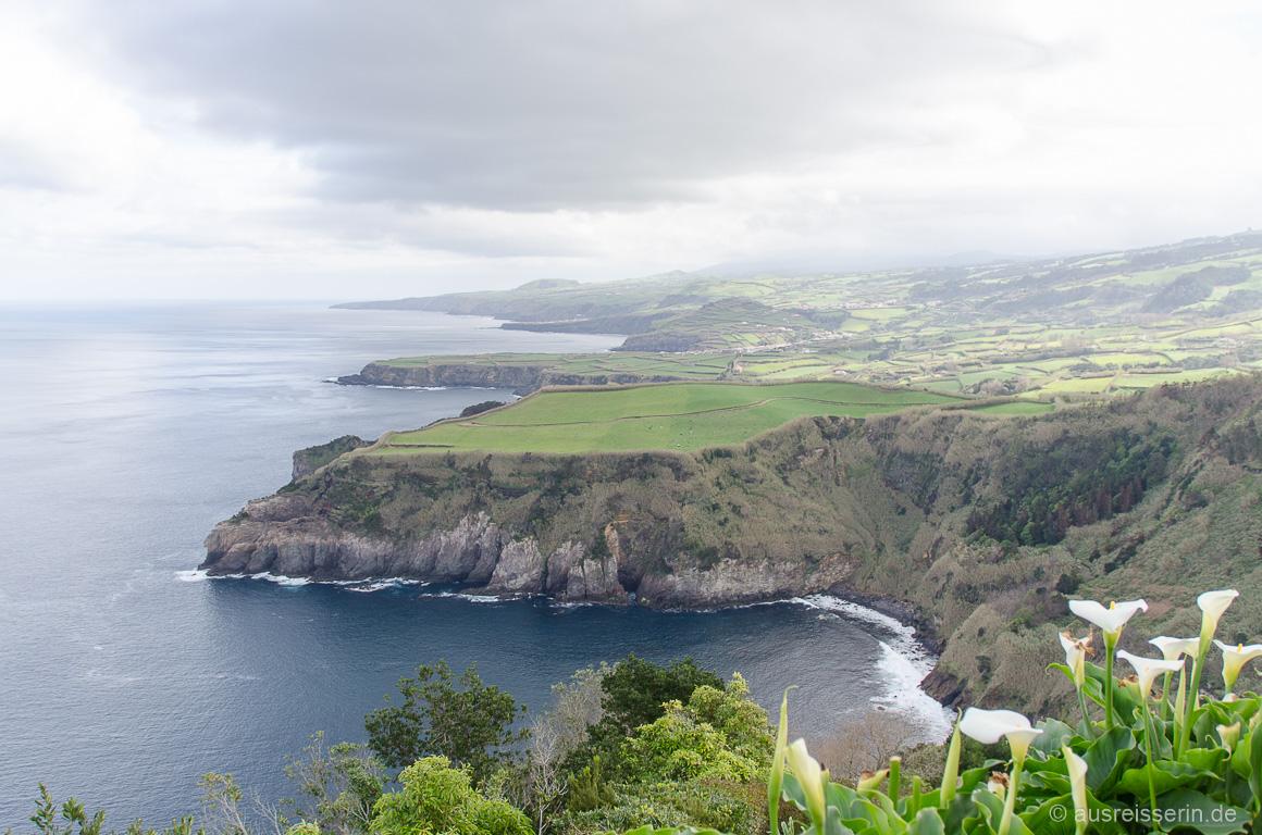 Ein Hauch von Irland, oder? Ausblick vom Miradoura Santa Íria.