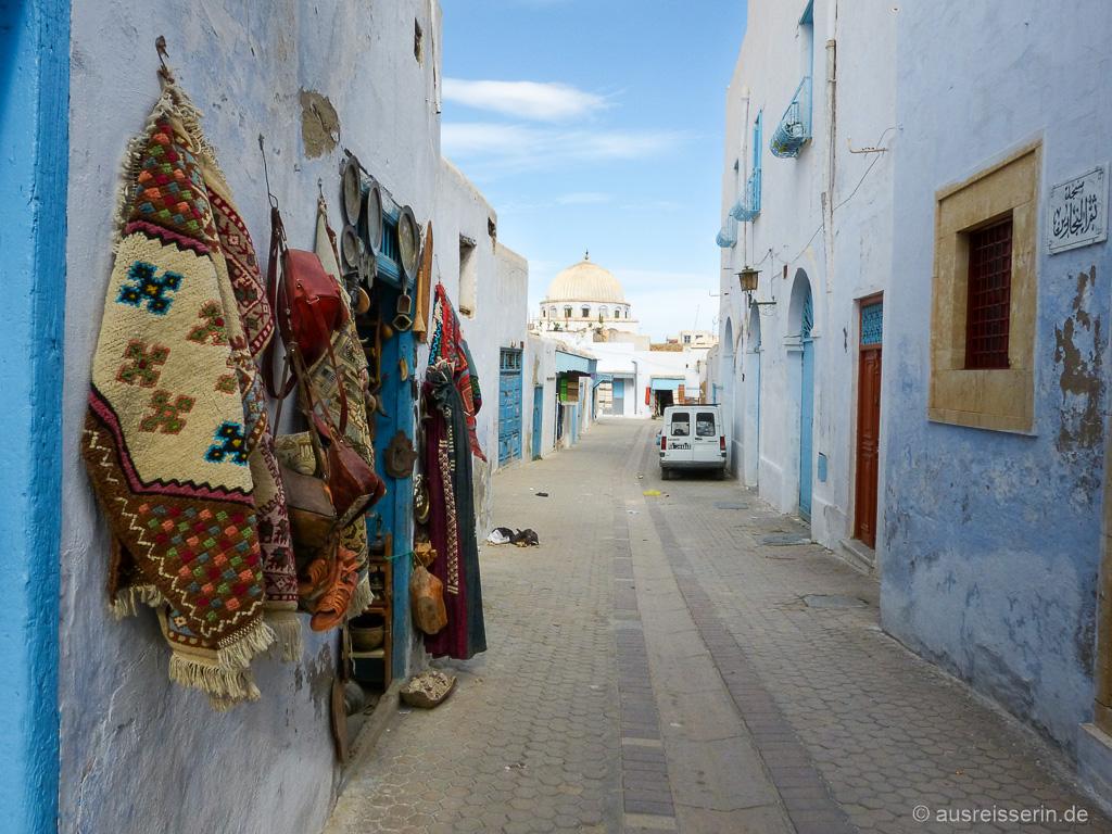 Straßenzug in der Medina von Kairouan