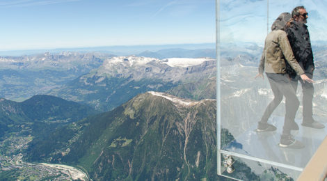 Aiguille du Midi: Step into the void