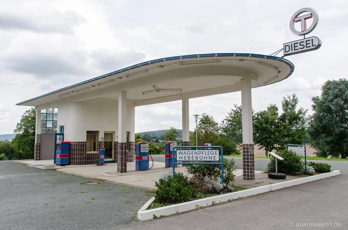 Tankstelle aus den Sechziger Jahren