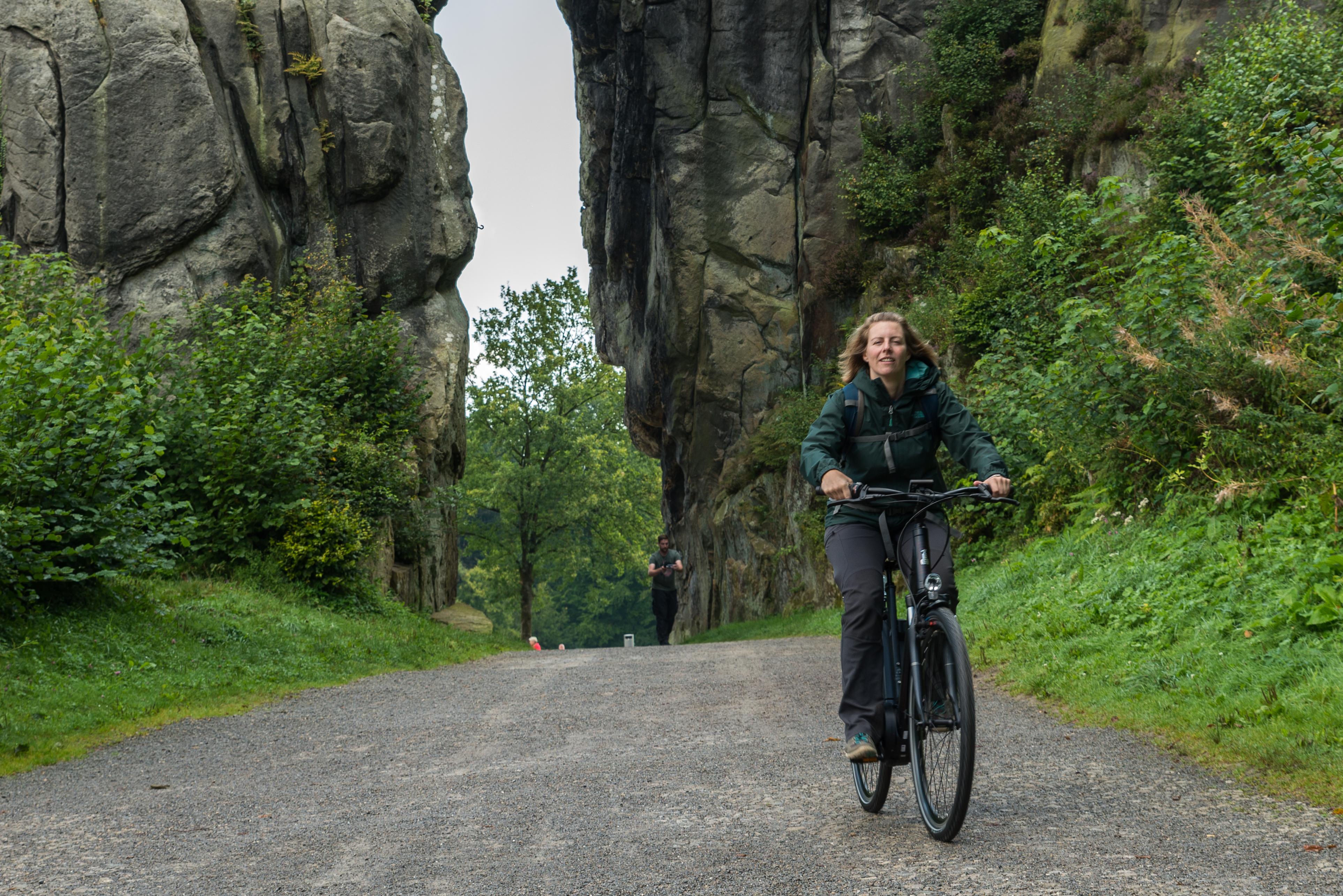 Radfahren zwischen den Externsteinen