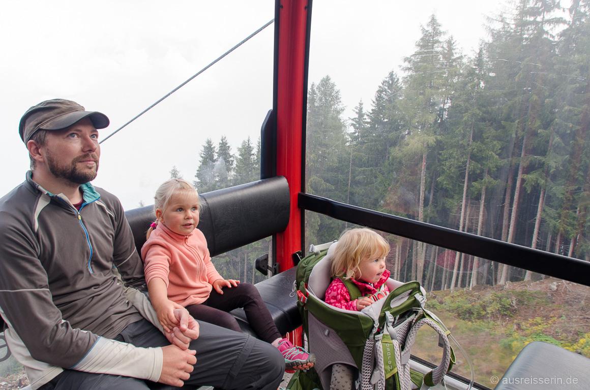 Ein Highlight für die Kleinen: Die Auffahrt mit der Gondel.