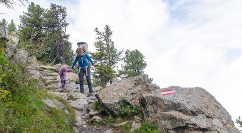 Wandern mit Kindern in Hall-Wattens, Tirol, Österreich