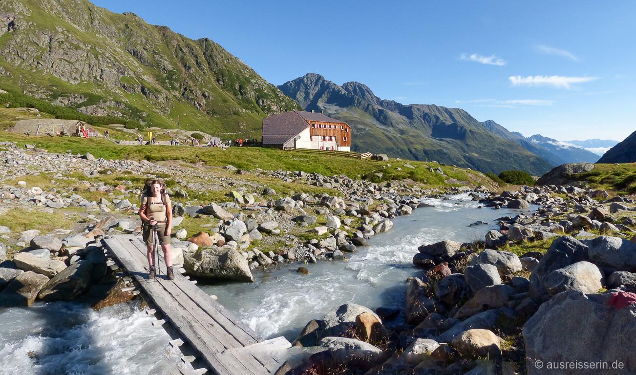 Familienfreundlich: Die Sulzenauhütte am Stubaier Höhenweg