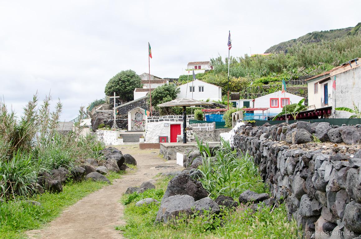 Dorfplatz Rocha da Relva