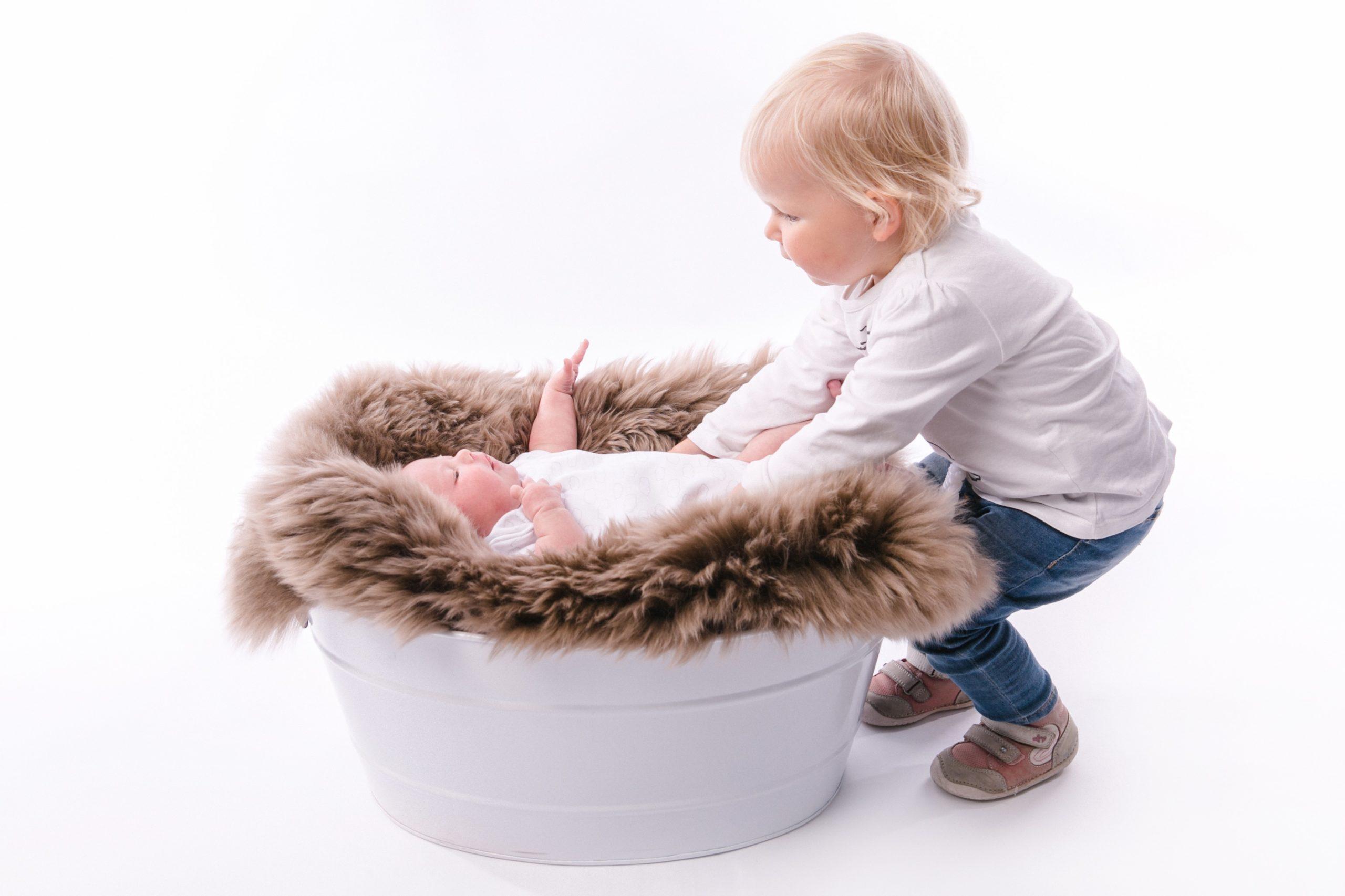 Lotta und Leni beim Babyfotoshooting